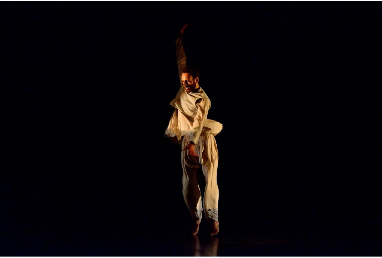 http://www.danzaurbana.eu/associazione/wp-content/uploads/2018/05/Foto_SINA_SABERI_Prelude_2.png