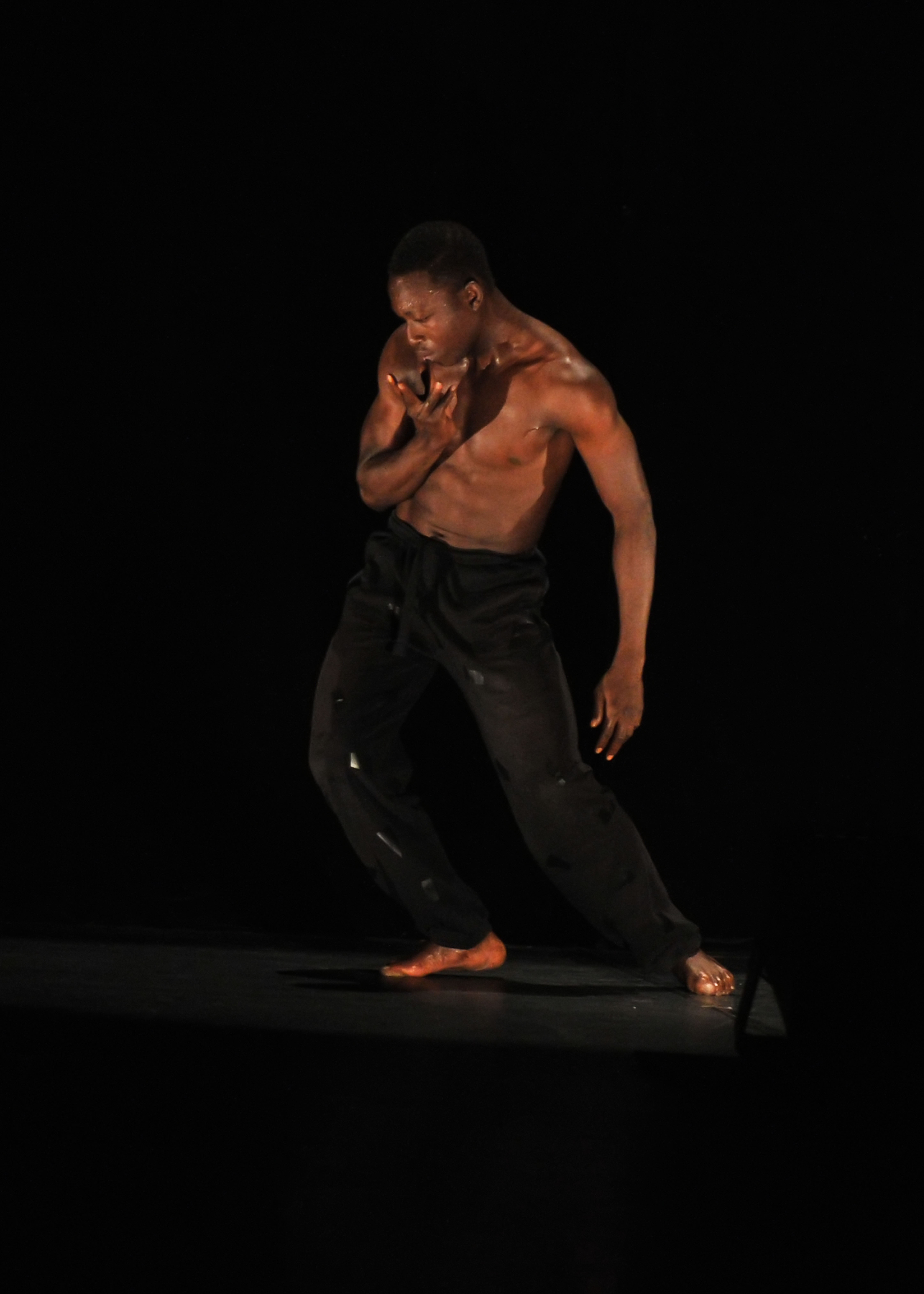 http://www.danzaurbana.eu/associazione/wp-content/uploads/2018/05/Masdanza_Ladji-Koné_2017.jpg