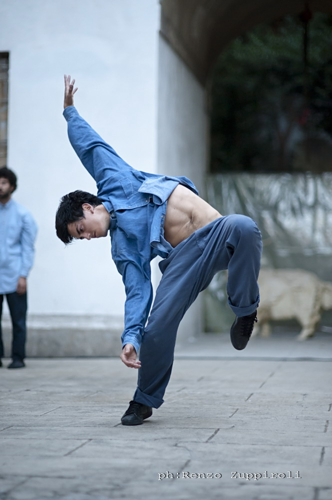 https://www.danzaurbana.eu/associazione/wp-content/uploads/2018/05/Masdanza_UmmaUmma_2_2013.jpg