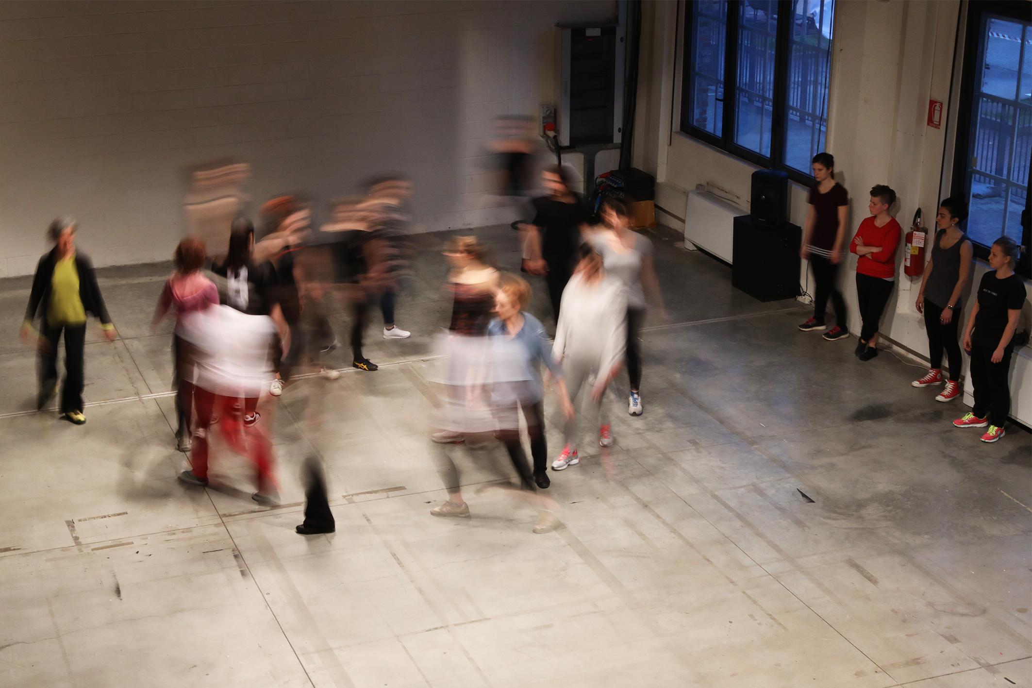 http://www.danzaurbana.eu/festival/wp-content/uploads/Stormo_1K1A5422_lite.jpg